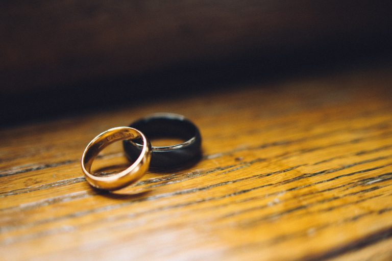 The image shows wedding rings